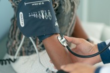 4-Ways-to-Lower-Blood-Pressure-Without-Medication-OrangeCountySurgeons